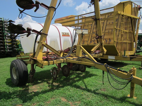 2004 KBH LIQUID APPLICATOR