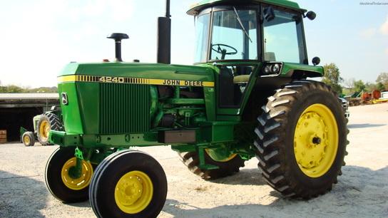 1978 John Deere 4240 Row Crop Tractors John Deere