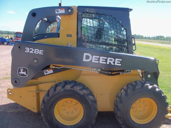 John Deere 328E