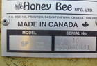 2000 Honey Bee 30'