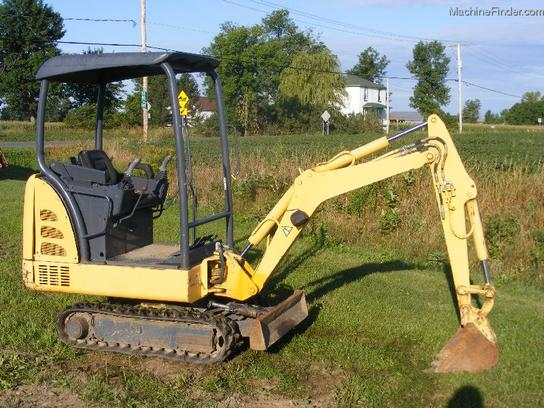 2002 New Holland EC15