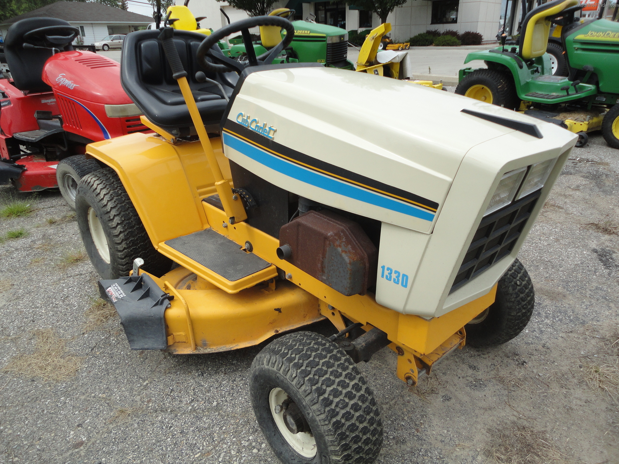 1993 Cub Cadet 1330 Lawn  U0026 Garden And Commercial Mowing