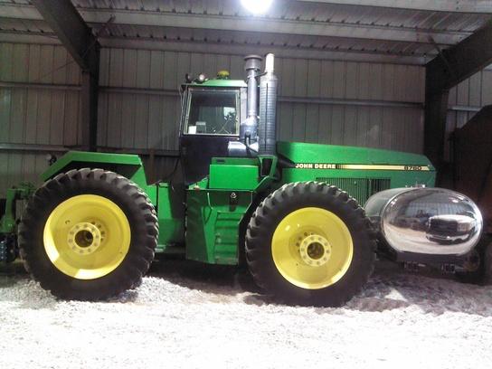 1992 John Deere 8760 Tractors - Articulated 4WD -