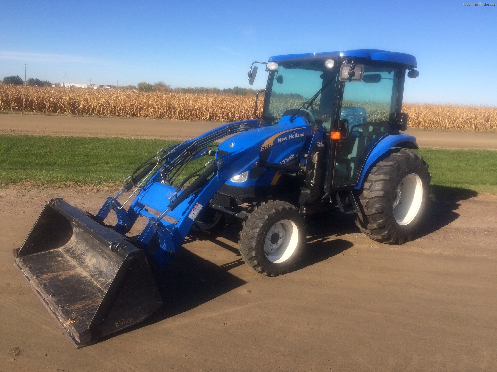 New Holland Boomer Compact Tractors : New holland boomer tractors compact hp