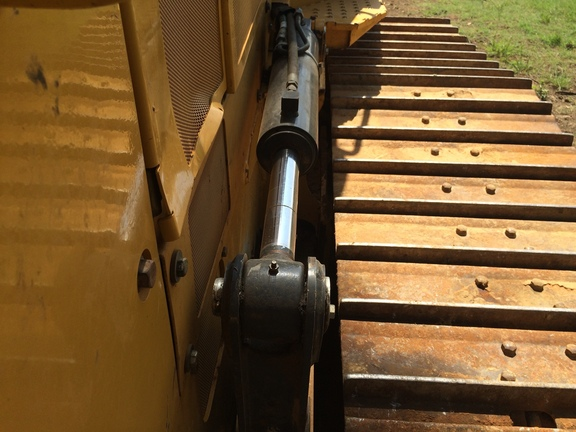 Detail photo of 2012 John Deere 700K from Construction Equipment Guide