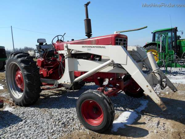 International 656 Tractor With Loader : International harvester tractors compact