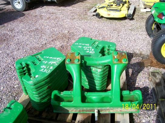 2010 John Deere R242154 WEIGHT BRACKET