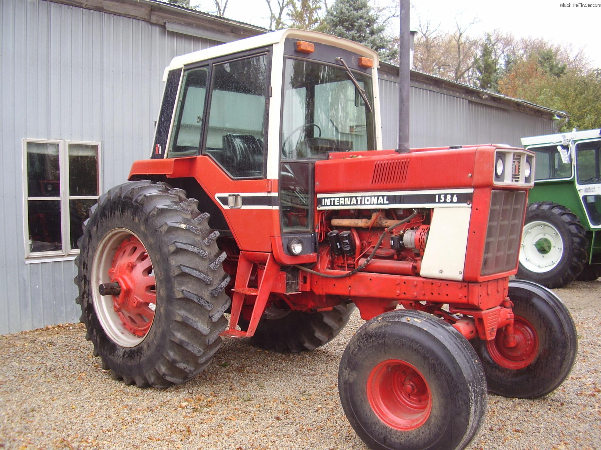1979 International Harvester 1586 Tractors