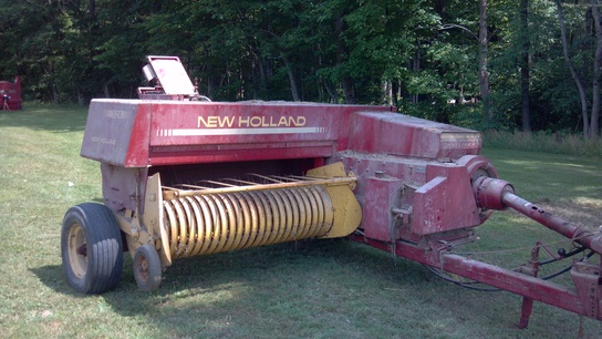 1988 New Holland 326