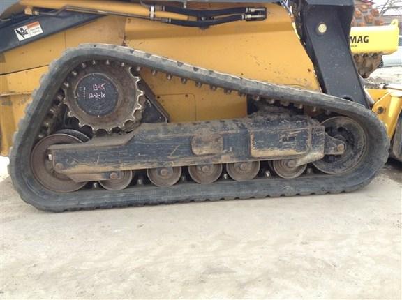 Detail photo of 2013 John Deere 333E from Construction Equipment Guide