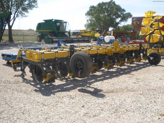 2011 D.L. Industries CSST3000840 STRIPTILL