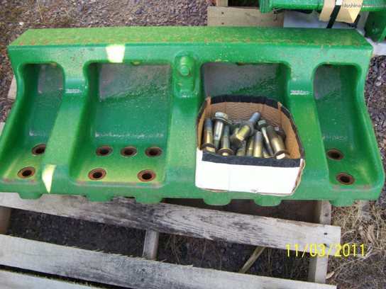 John Deere RE309127 FRONT WEIGHT BRACKET