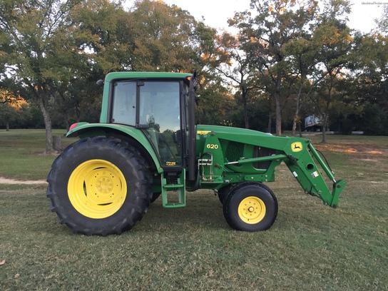 John Deere 850 Tractor Seat : John deere cab tractors utility hp