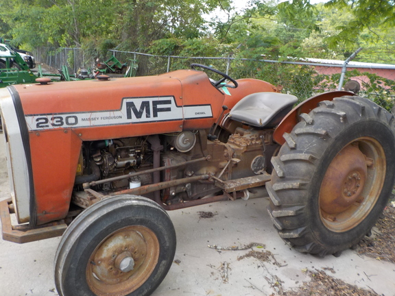 1978 Massey - Ferguson 230