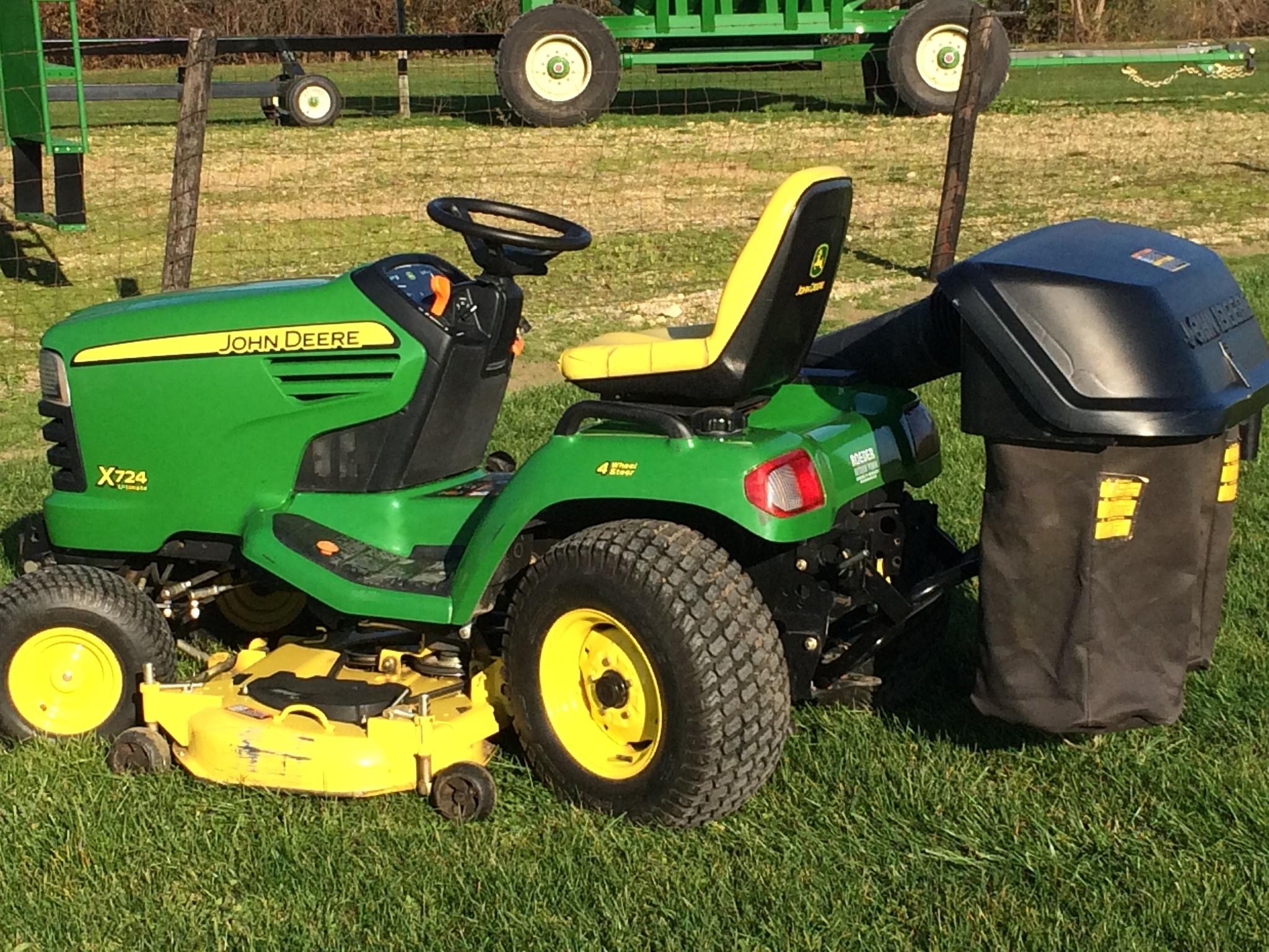 John Deere X724 Lawn Garden Tractors For Sale 65788