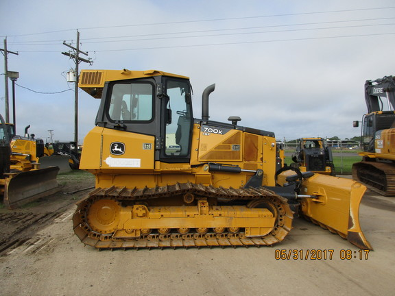 Detail photo of 2012 John Deere 700K from Construction Equipment Guide