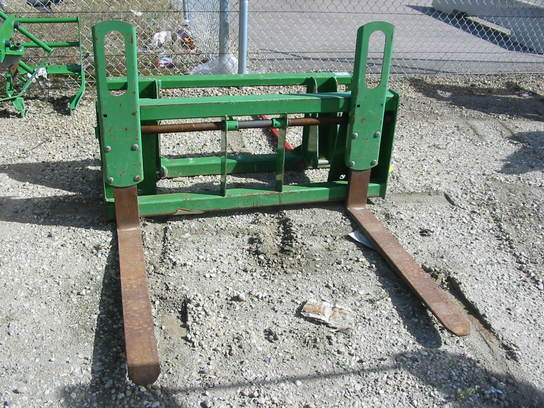 1993 John Deere JD pallet fork for 541SL