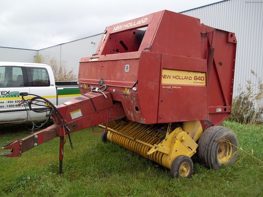 1995 New Holland 640