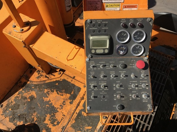 Detail photo of 2013 LeeBoy PF161B from Construction Equipment Guide