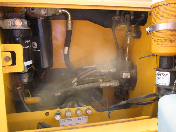 Detail photo of 2006 John Deere 650J from Construction Equipment Guide