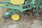 John Deere 7200 12 ROW PLANTER,  70 GAL LIQUID TANKS, YETTER SINGLE DISK OPENERS