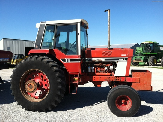 International Harvester 1586 Tractor : International harvester tractors row crop hp