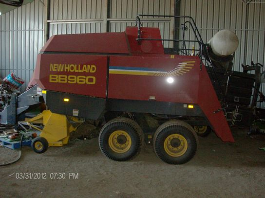 2002 New Holland BB960