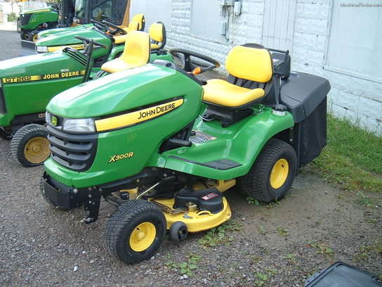 2010 john deere x300r lawn garden and commercial mowing. Black Bedroom Furniture Sets. Home Design Ideas