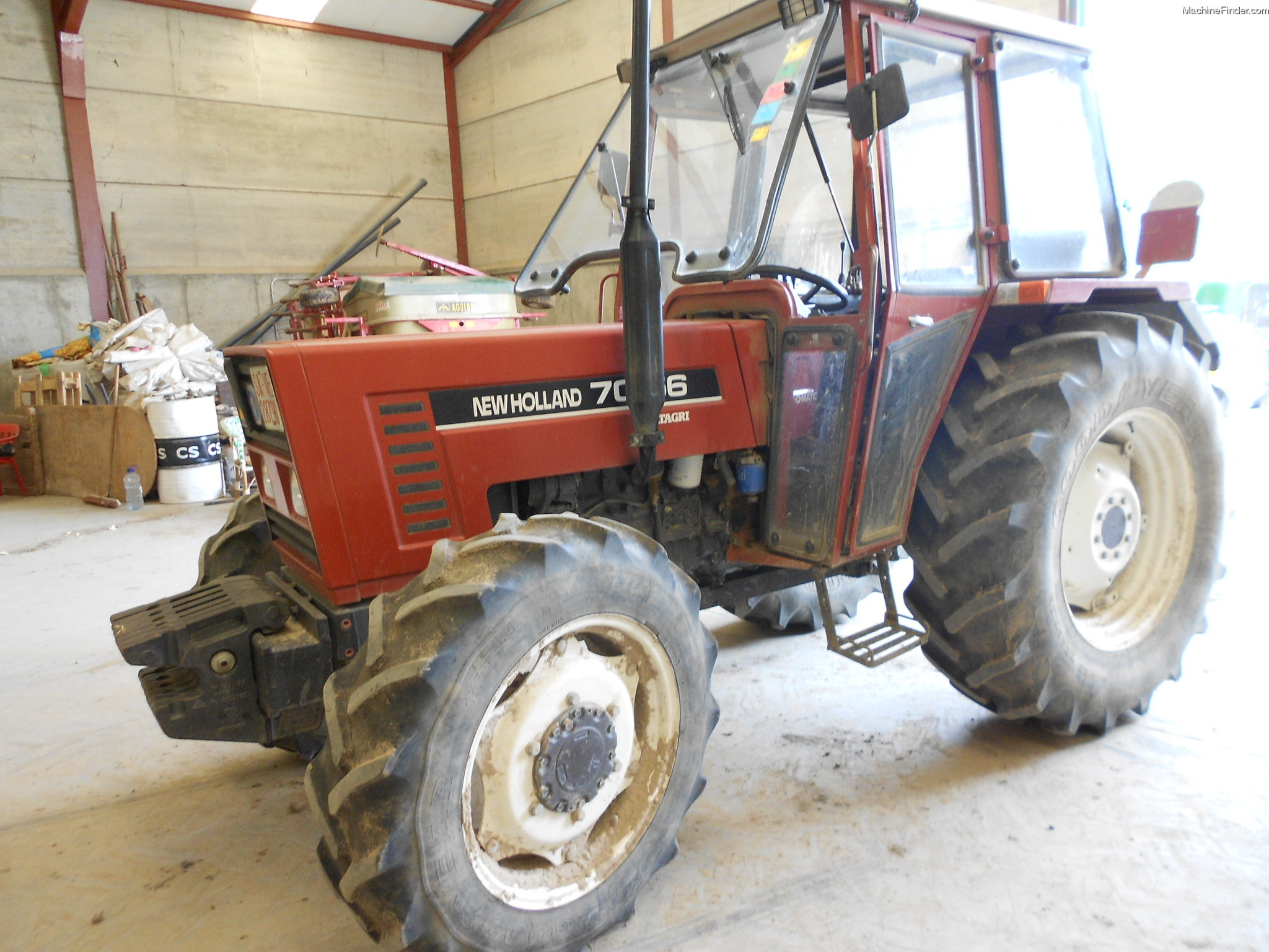 1996 New Holland Tractor : New holland tractors utility hp