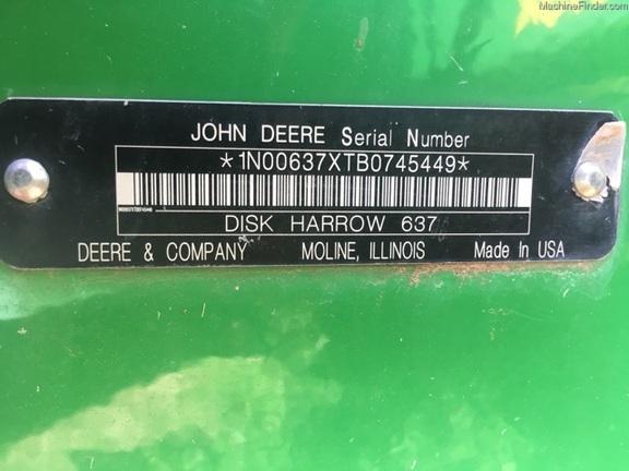 2011 John Deere 637