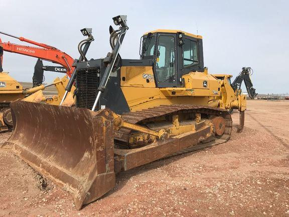 Detail photo of 2012 John Deere 950J from Construction Equipment Guide