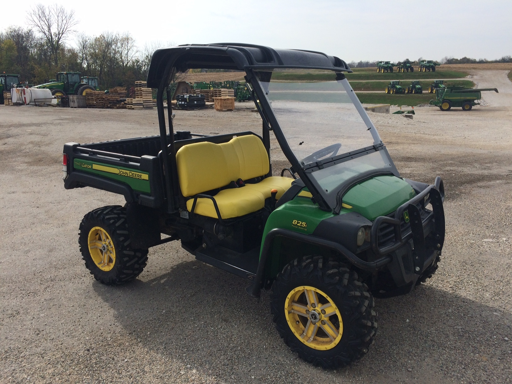 john deere xuv 825i green atvs gators for sale 65016. Black Bedroom Furniture Sets. Home Design Ideas
