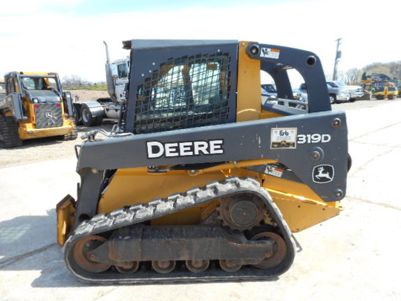 Detail photo of 2010 John Deere 319D from Construction Equipment Guide