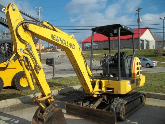 2000 New Holland EC35
