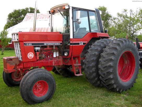 International Harvester 1586 Tractor : International harvester tractors row crop