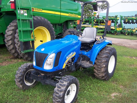 2010 New Holland 2035