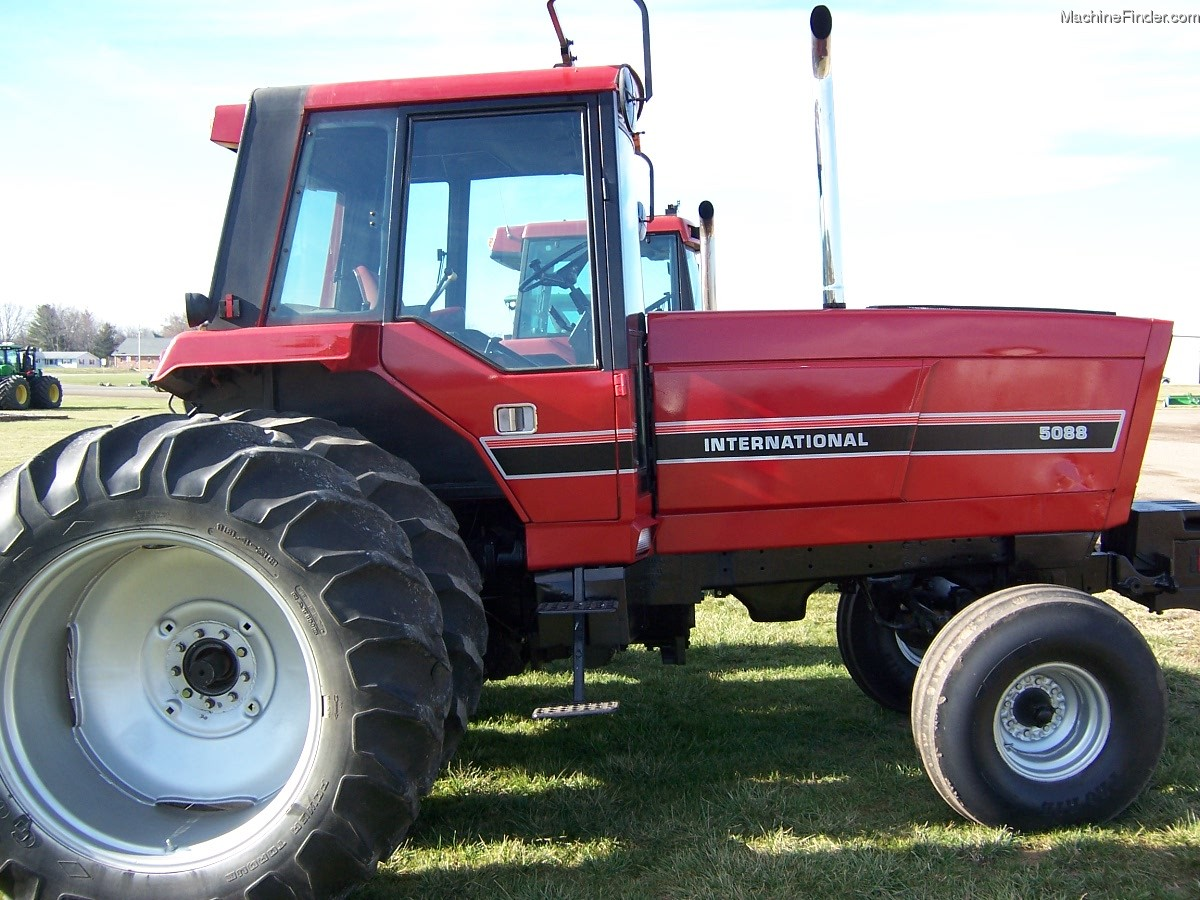 International Harvester 5088 : Tweet