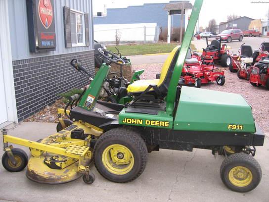 1999 John Deere F911