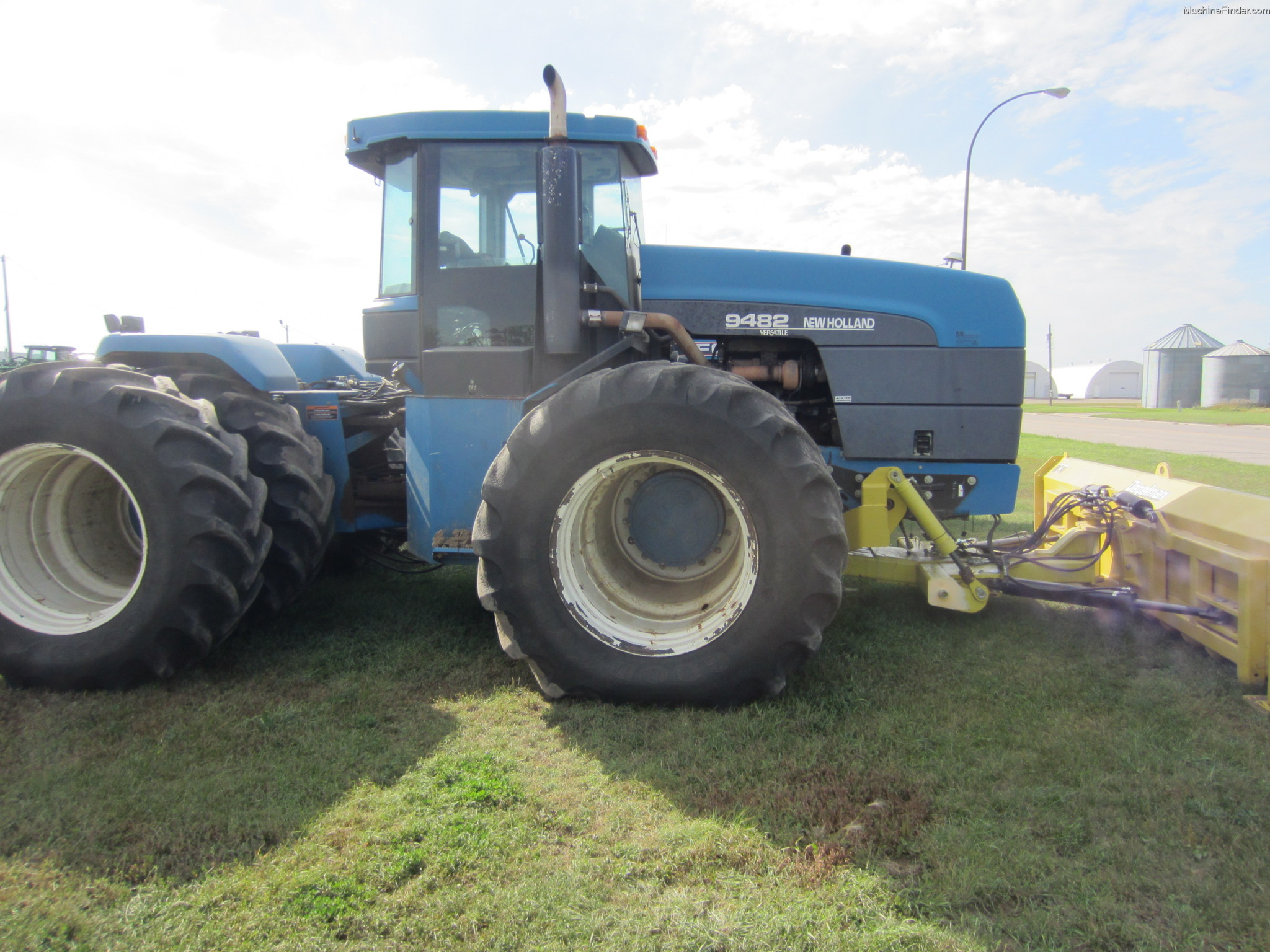 1996 New Holland Tractor : New holland tractors articulated wd john