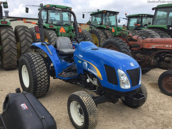 New Holland T2420