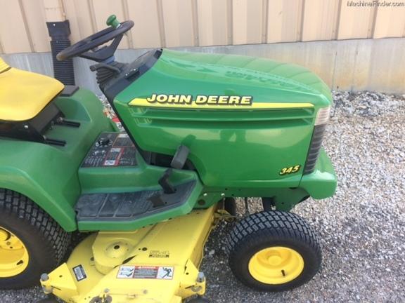 John Deere 345