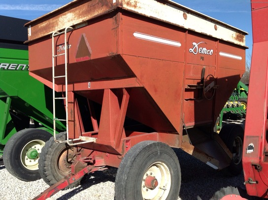 Demco 375 GRAVITY WAGON