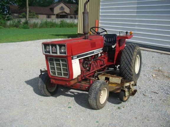 International Harvester 284 Tractor : International harvester compact utility