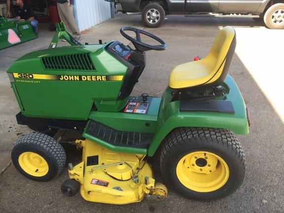 1994 John Deere 320