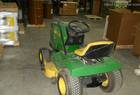 John Deere 165 RIDING LAWN MOWER, HYDRO
