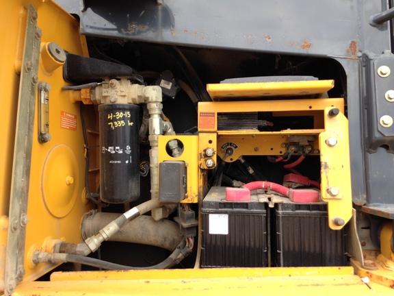 Detail photo of 2009 John Deere 850J from Construction Equipment Guide