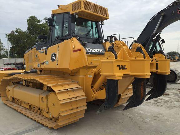 Detail photo of 2015 John Deere 850K from Construction Equipment Guide
