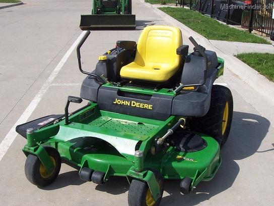"2004 John Deere 757 Z-Trak zero-turn with 60"" mower, NEW engine"