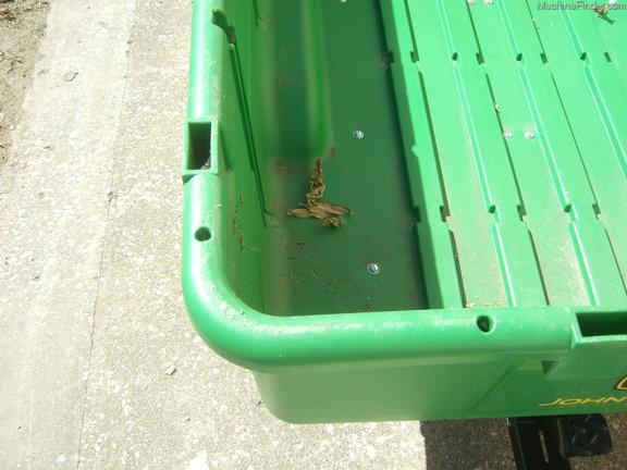 John Deere 17P Utility Cart