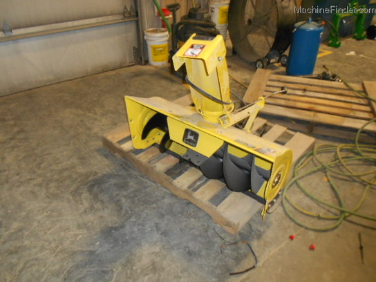 John Deere 38 INCH SNOW THROWER FOR A LT MOWER